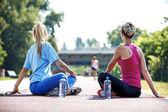 Frauen Yoga genießen