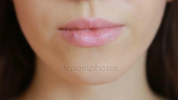 Flicka Röra Sår På Läpparna Herpes Läppbehandling Unga Fylliga
