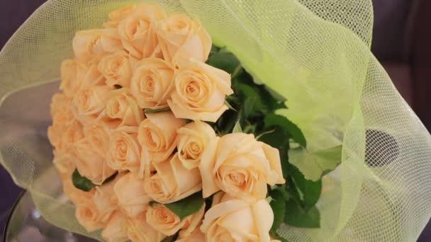 jemné velké kytice broskvová růže, detail