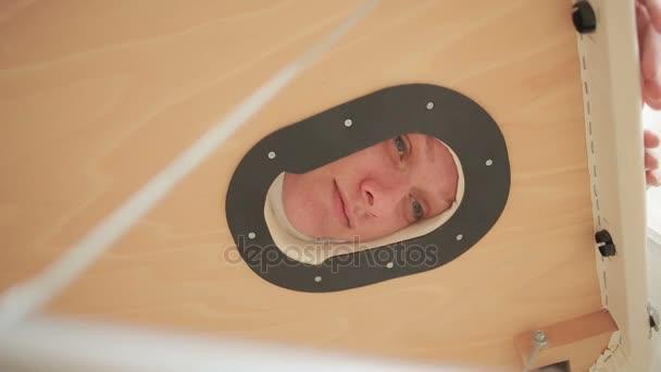 Видео массажей женщинам, голая в деревне зрелая загорает фото