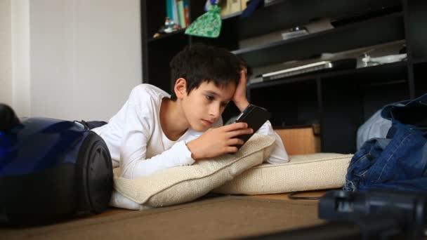 Teen mobile videos