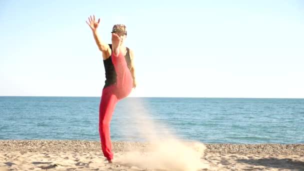 Красивые голые парни на пляже Частное фото 26