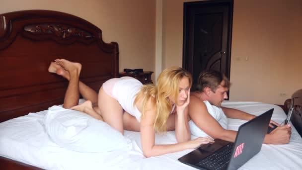 Posiciones sexuale en la cama en vivo
