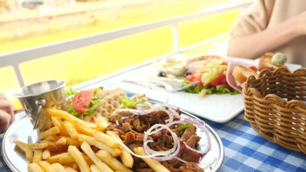 griekse gerechten souvlaki