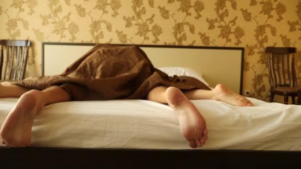 Фото секс ноги наверху