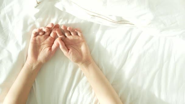Секс мужчине руками видео