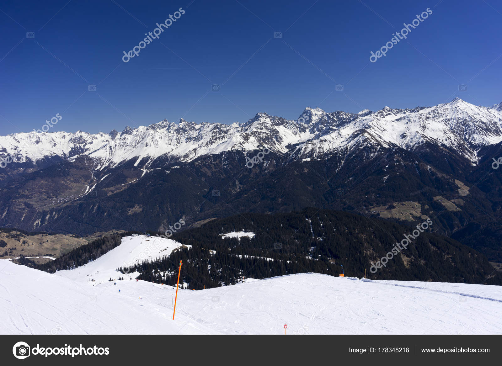 alpine ski resort serfaus fiss ladis in austria. — stock photo