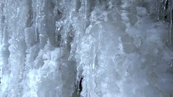 Eiszapfen schmelzen, Frühling schmelzen