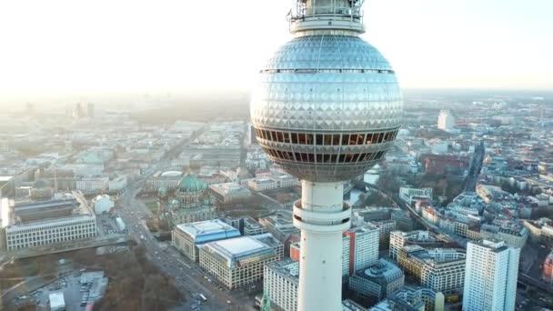 Risultati immagini per alexanderplatz berlino foto ?