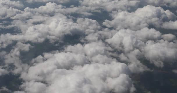 Mraky na obloze, pohled z letadla