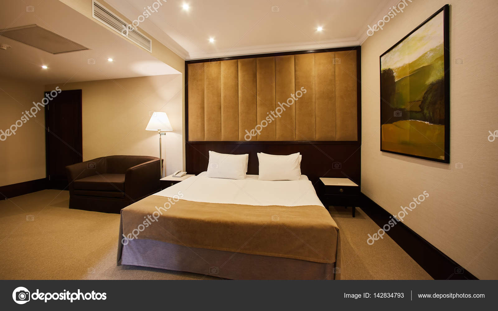 Bella camera da letto decorazione interni design hotel for Immagini design interni