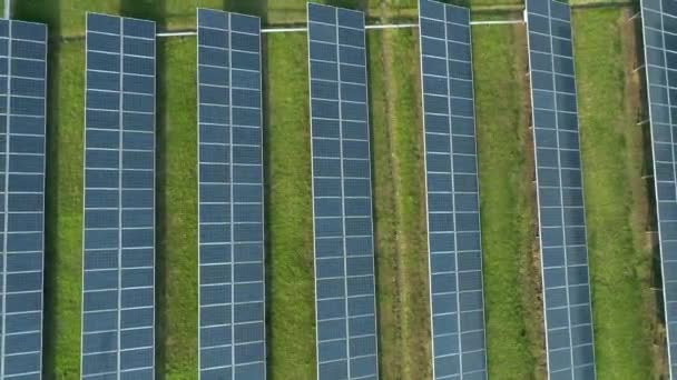 letecký pohled na solární panely solární panely solární elektrárny