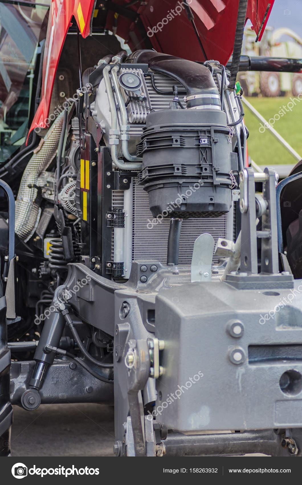 Motor de gran alcance tractor de alta tecnología en diseño moderno ...