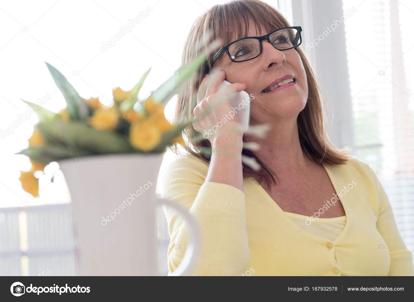 Фото сперми на зрелых женщинах, Нежные зрелые тетки обожают сперму на письке 24 фотография