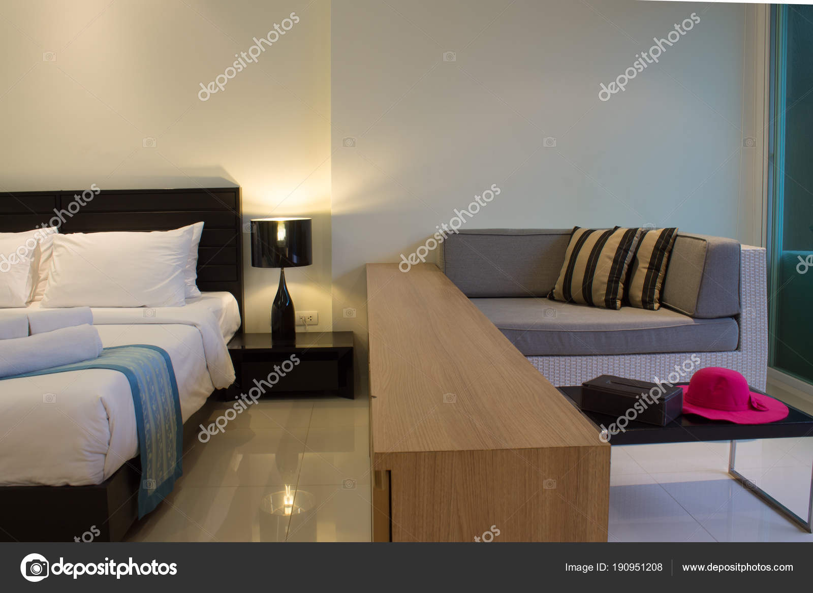 Schlafzimmer Und Wohnzimmer Raum Dekoration Pool Zugang Gemütliche ...