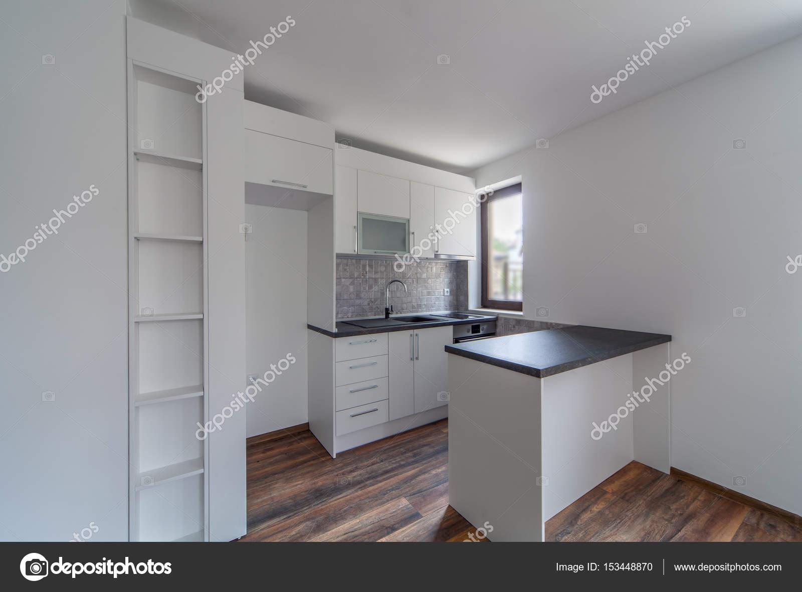 Nova Cozinha Branca Moderna E Vazia Nova Casa Fotografia De