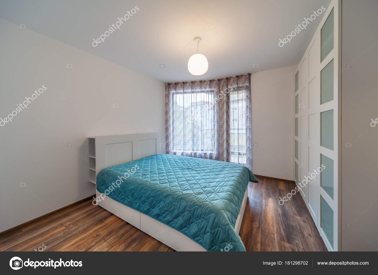 Neue moderne Schlafzimmer. Neues Zuhause. Interieur-Fotografie ...