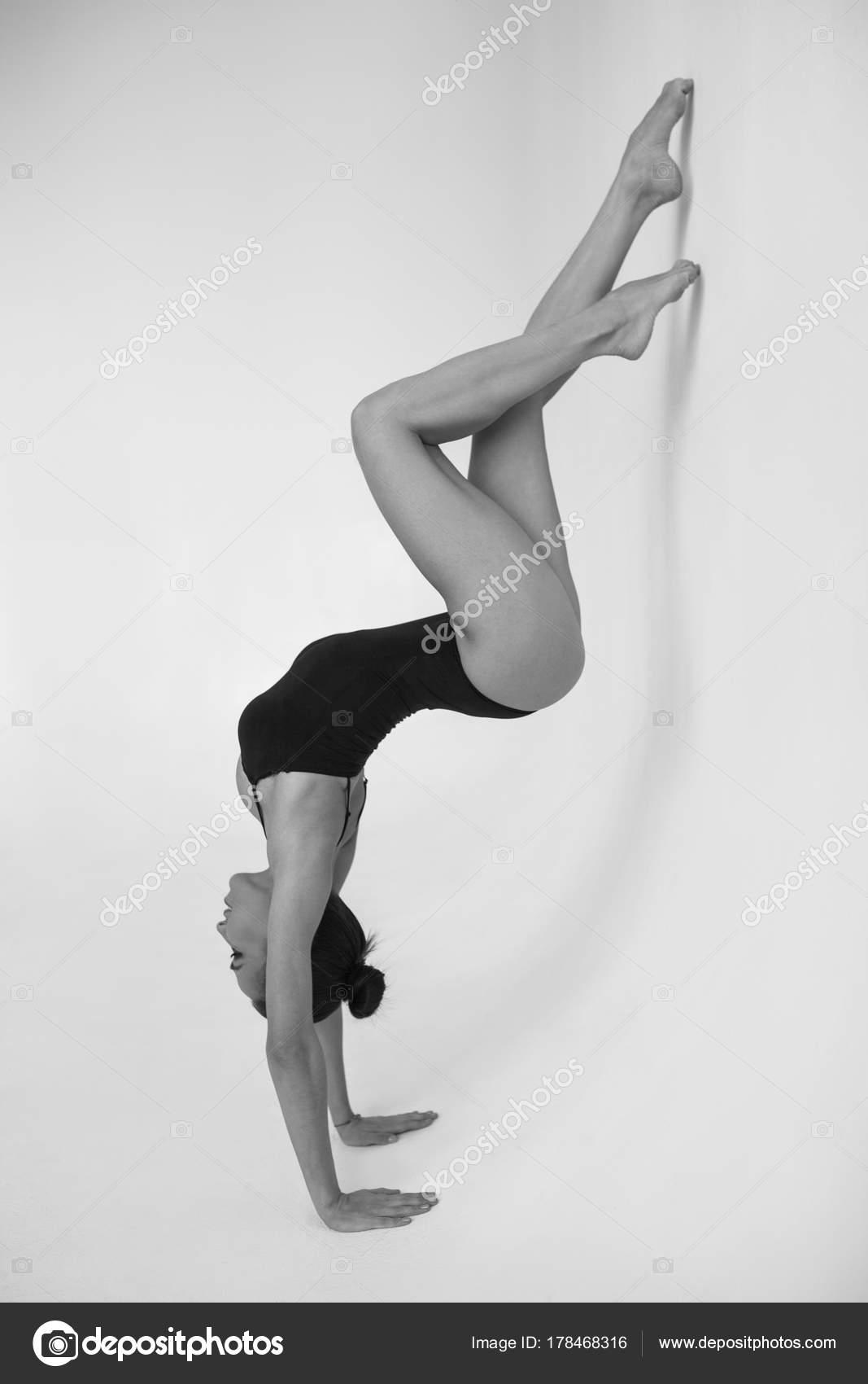Какие позы в сексе можно использовать гимнасткам