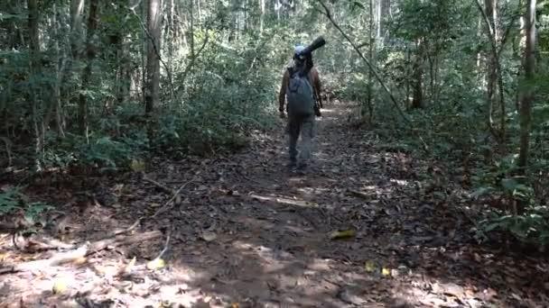 fotograf pěšince džungle