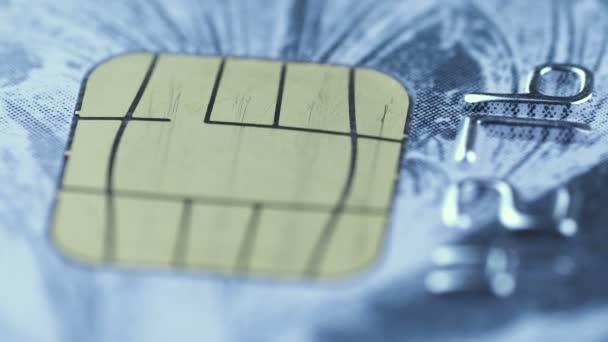 Kreditkartenchip rotiert