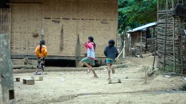 Pobres Ninos Jugando En La Calle Video De Stock C Infocusvideo