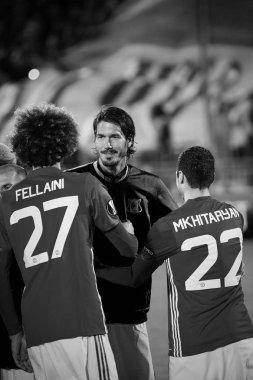 Greeting teams - Marouane Fellaini and Henrikh Mkhitaryan (MU)