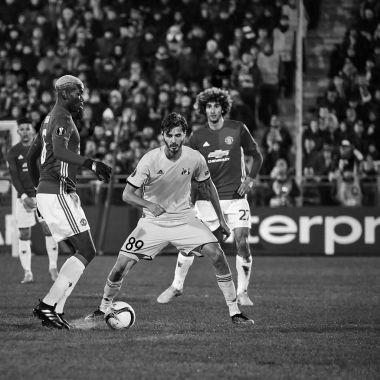 Paul Pogba , Game moments in match 1/8 finals of the Europa League