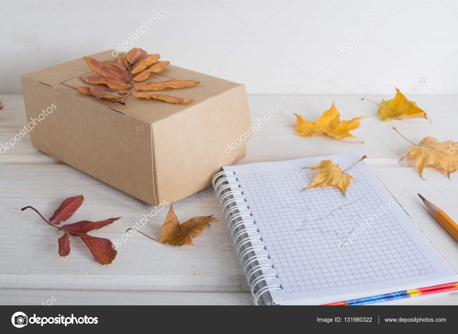 Caja De Papel Craft Cuaderno Lápiz Decorar Hojas De Otoño