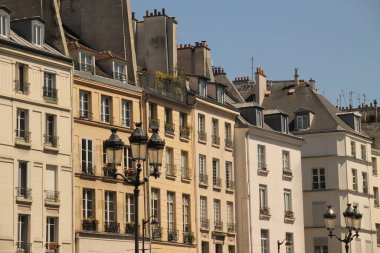 Classic architecture in the downtown of Paris