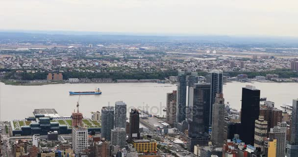 4 k Ultrahd letecký pohled na řeku East v dolním Manhattanu