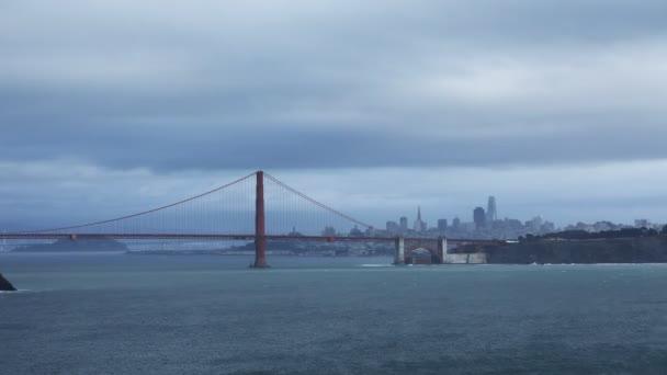Timelapse z Golden Gate Bridge přes zátoku 4k