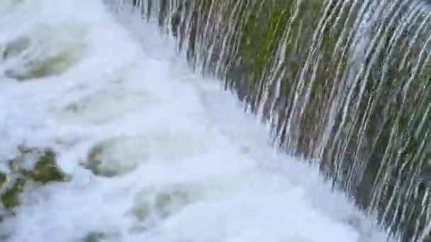 voda, vodopád, řeka, příroda, potok, tok, skála, kaskáda, kámen, krajina, tekoucí, les, vodopády, skály, pohyb, pád, bílá, hora, park, pramen, mokrá, zelená, vodopády, splash, peřeje