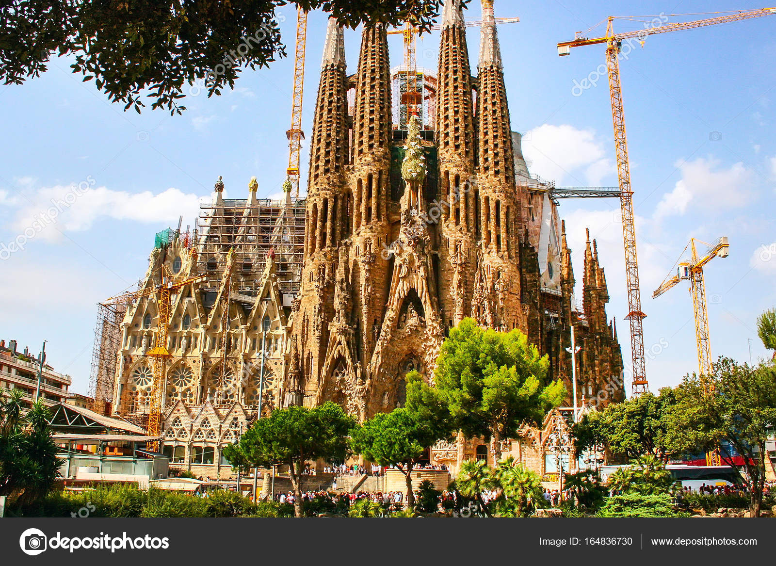 La Sagrada Familia Cathedral In Barcelona Spain Stock Editorial Photo C Kisa Markiza 164836730