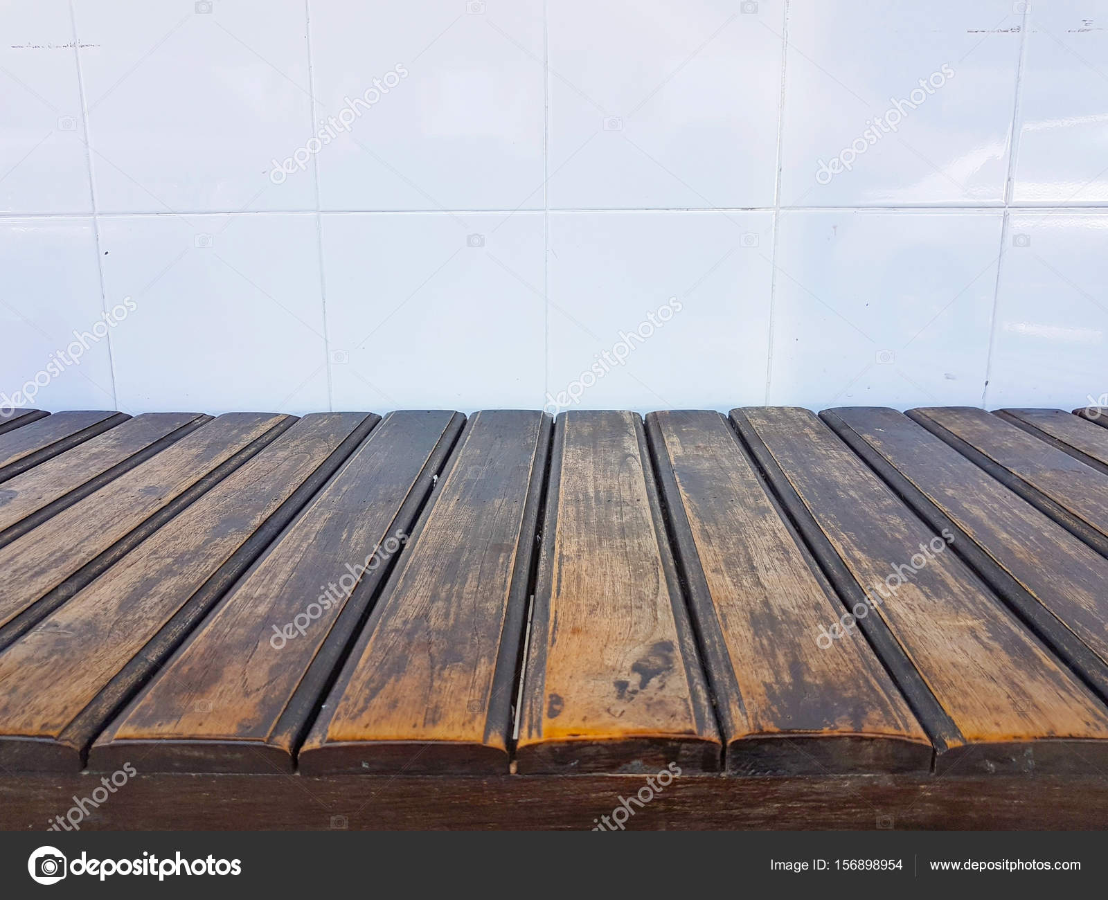 Vecchie piastrelle muro e prospettiva legno vintage sfondo per