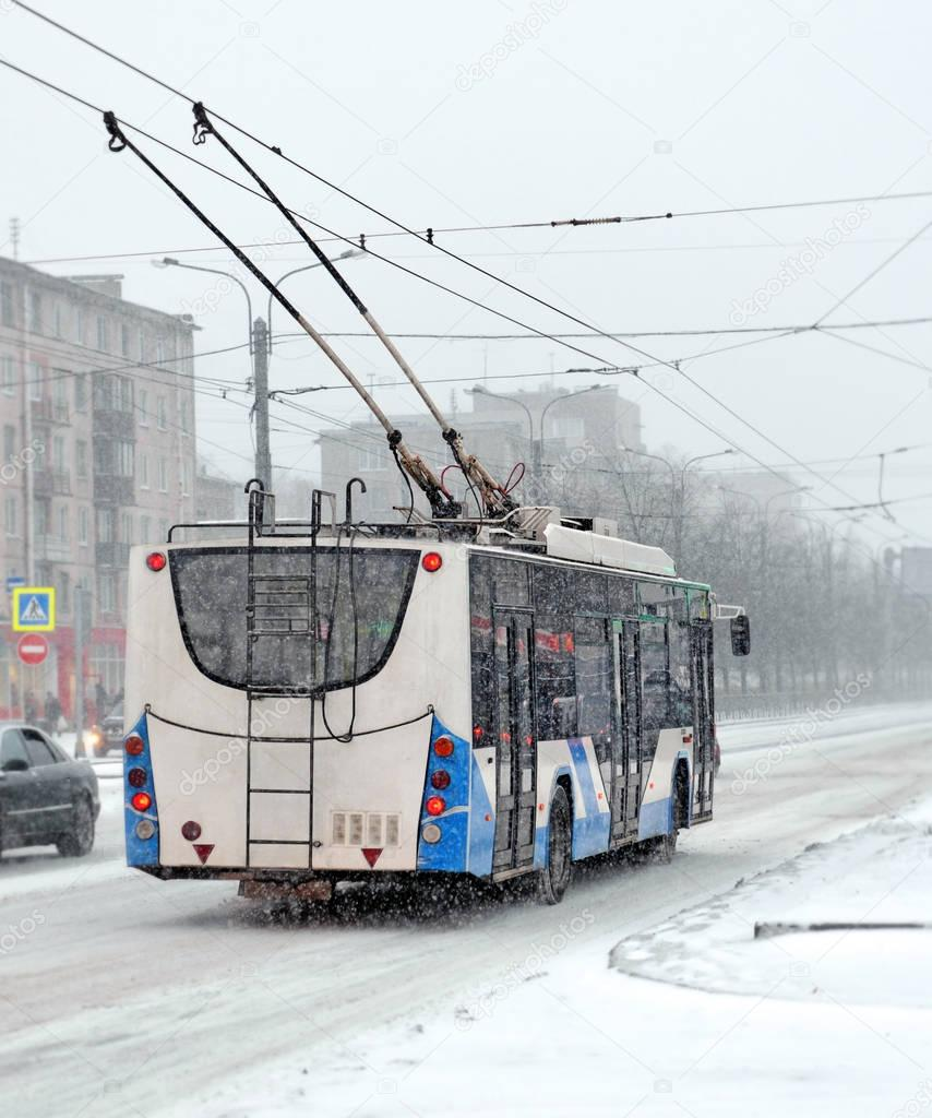 The trolleybus in snowfall
