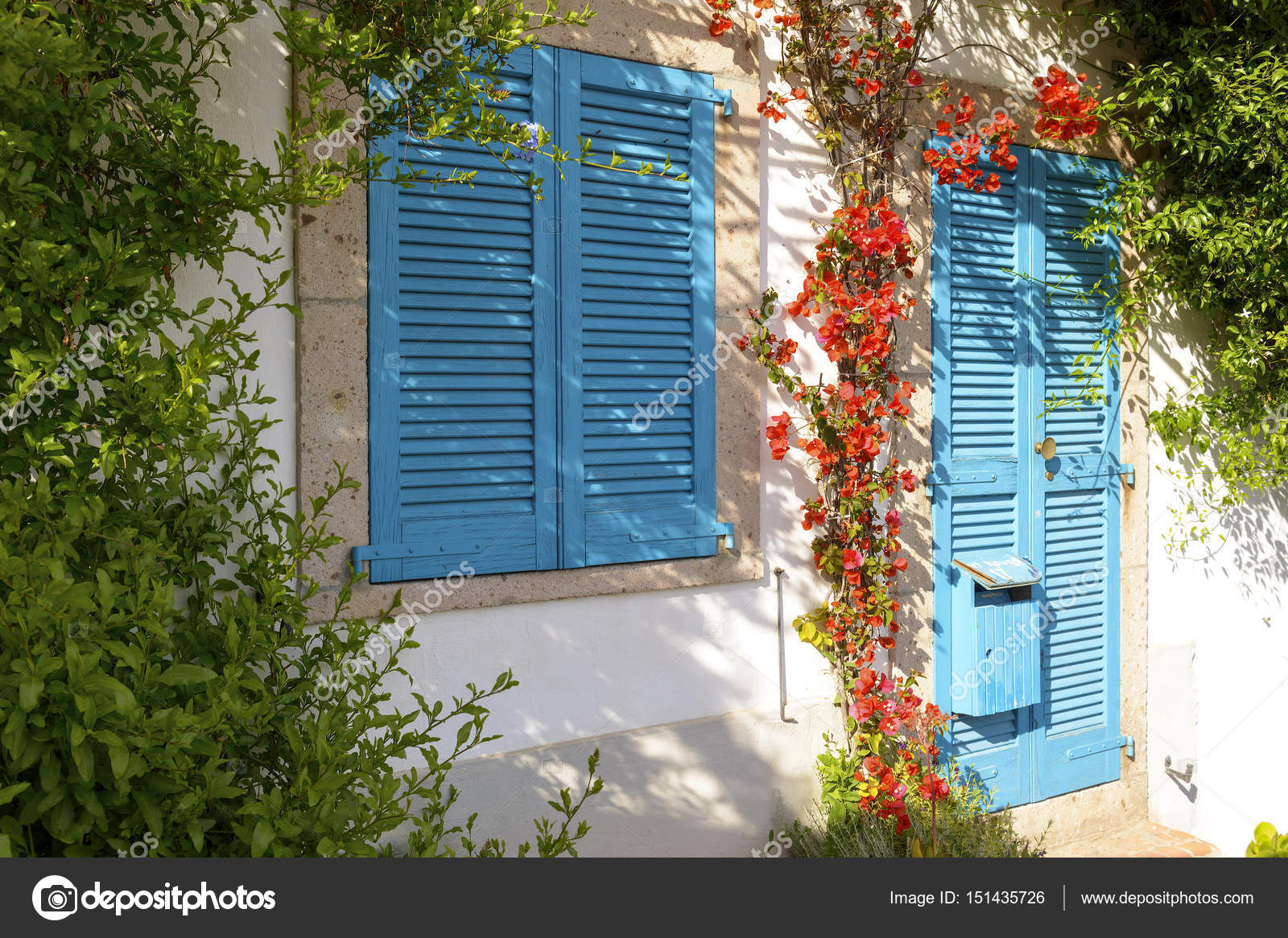 Faszinierend Mediterranes Haus Referenz Von Ein Typisch — Stockfoto