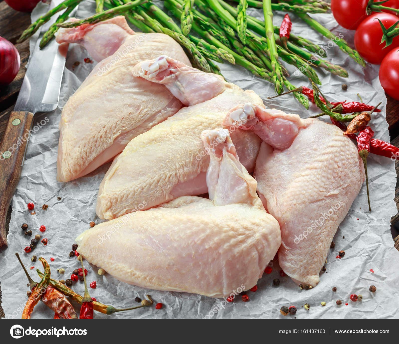 Rohe Supremes Hähnchenbrustfilets mit Chili, Pfefferkörner und ...