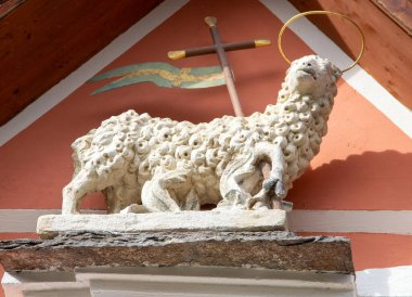 a Lamb of God with halo, also called the Lamb of God and the Easter Lamb, in Latin Agnus Dei