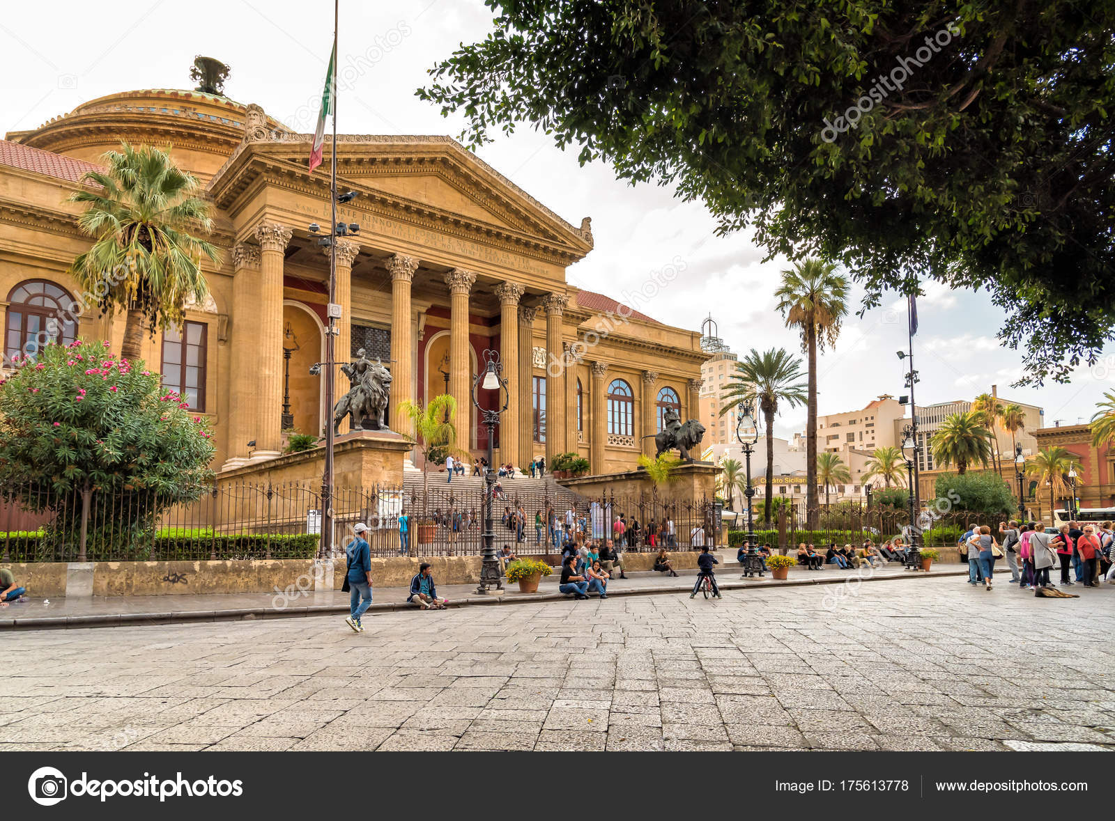 Palermo Sicily Italy October 2017 Tourists Front Famous Opera House ...