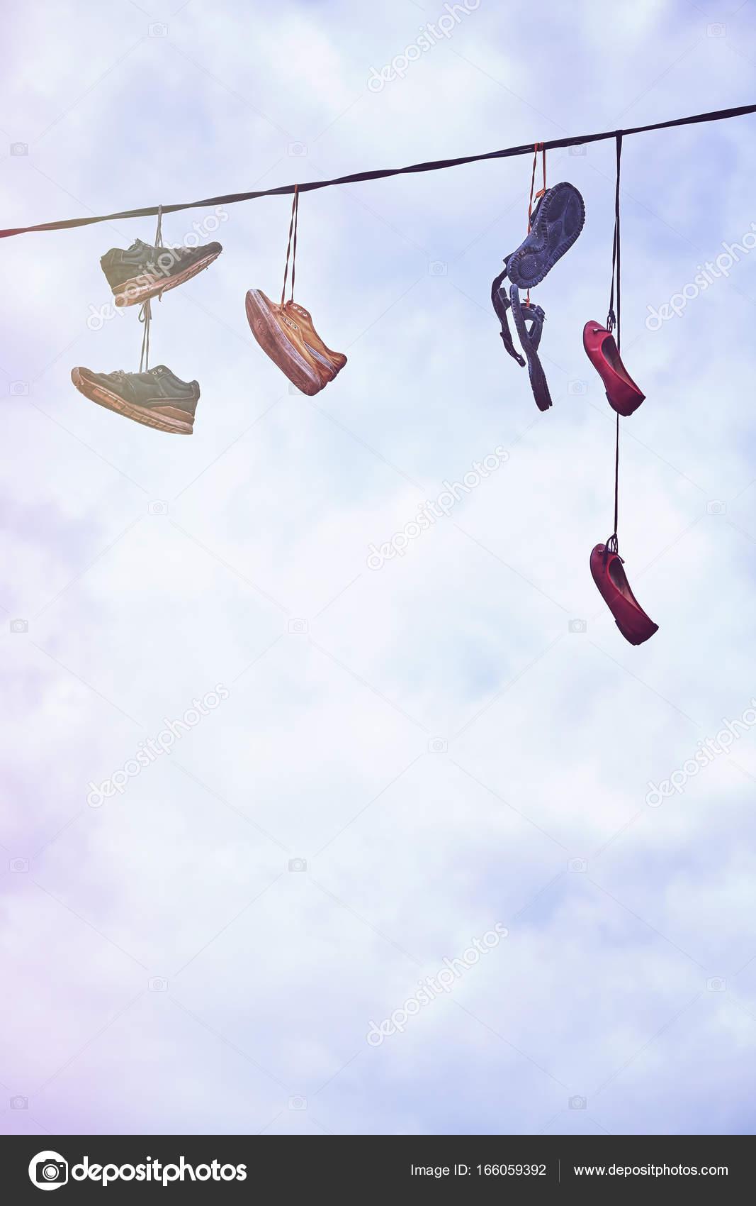 Sur Sale Vieux Chaussures Le Fil Suspendu cqAL3j54R