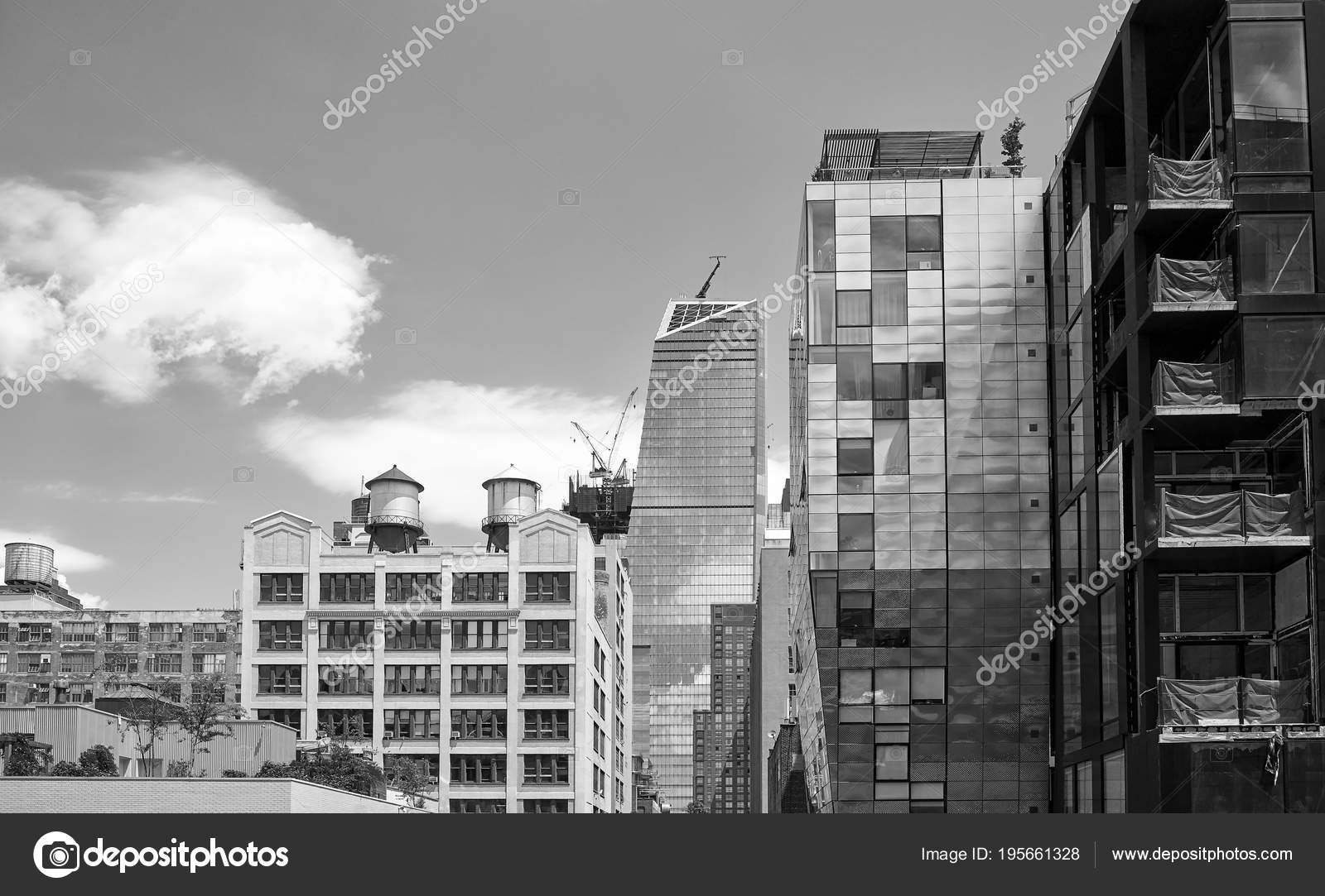 Old And Modern New York City Architecture Stock Editorial Photo