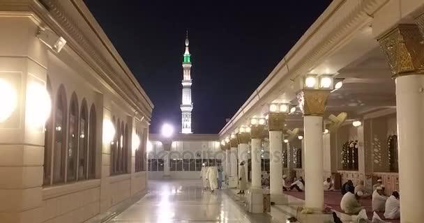 Al Madinah, Saúdská Arábie, září 2016 masdžid (mešita) nabawi
