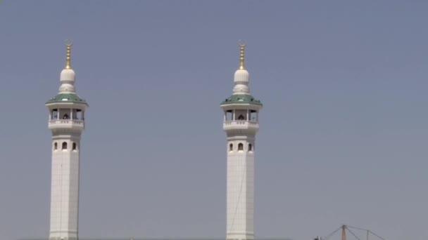 MECCA, SAUDI ARABIEN, August 2019 - Muslimische Pilger aus aller Welt versammelten sich, um in der Haram-Moschee in Mekka, Saudi-Arabien, die Hadsch oder Omrah durchzuführen.