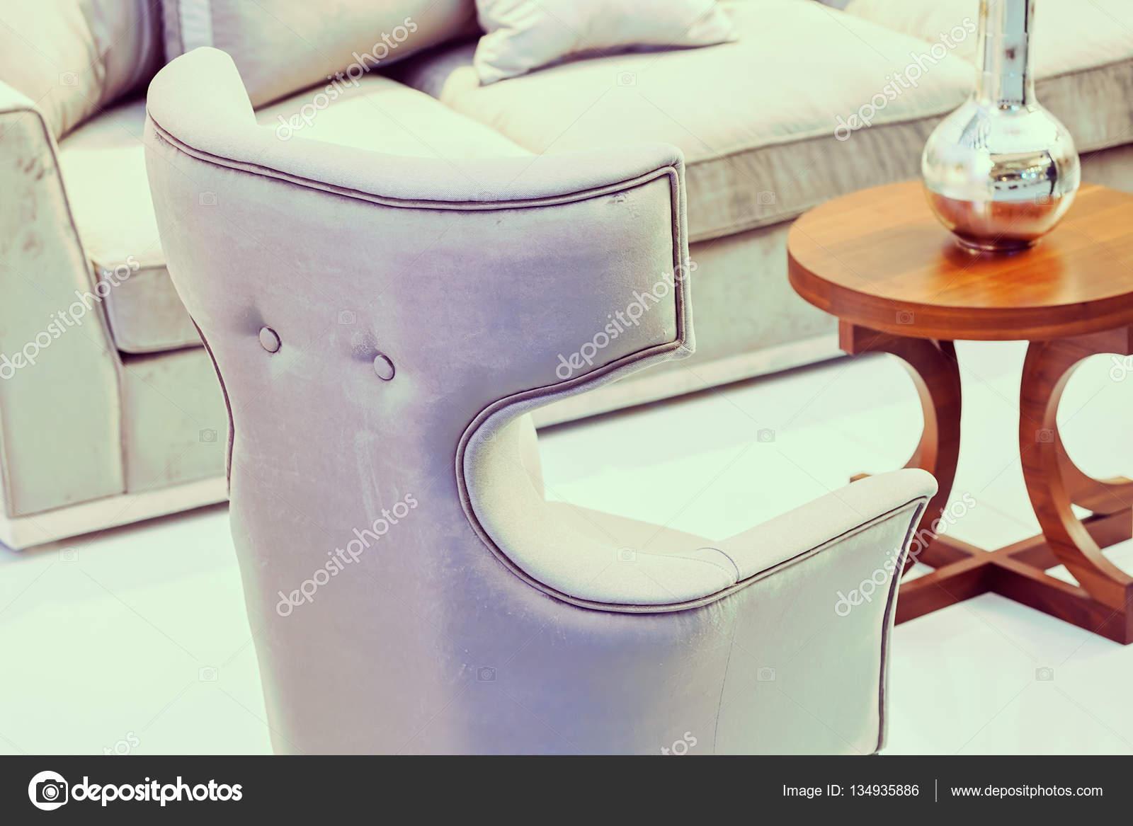 Geräumig Außergewöhnliche Sessel Galerie Von Außergewöhnliche Im Innenraum — Stockfoto