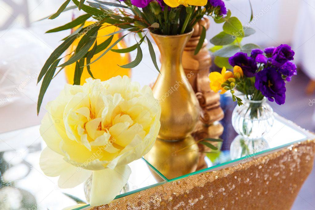 Arreglo Floral Para Decorar El Banquete De Boda La Novia Y