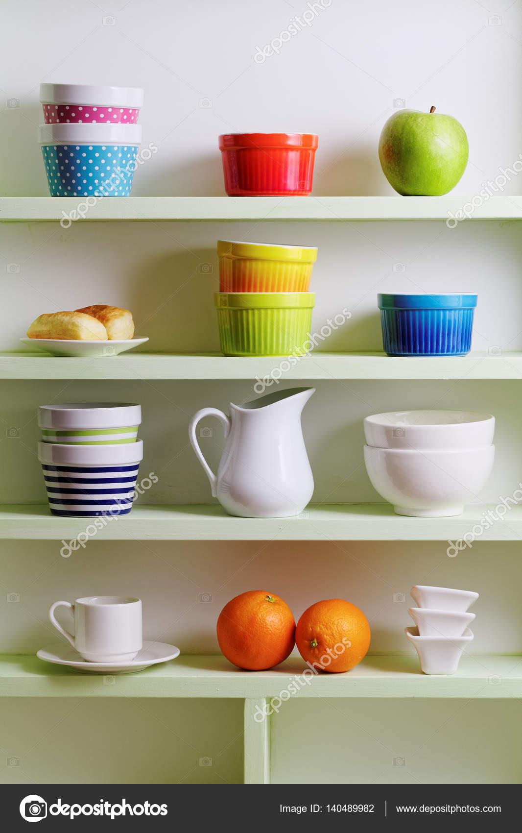 Arrangement d\'étagère de cuisine — Photographie Melica © #140489982