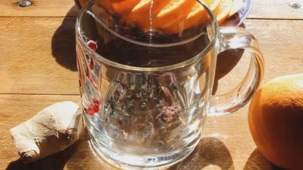gyógynövény tea Brewing