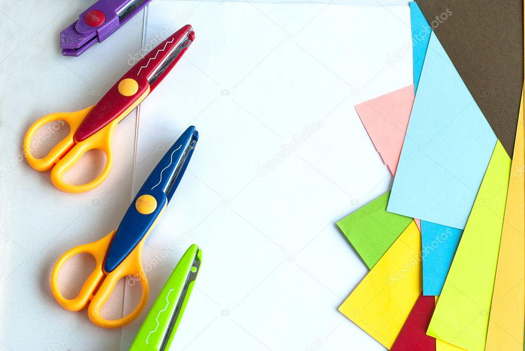 Kinder kreativ-Tools. lockige Schere und farbige Blätter — Stockfoto ...