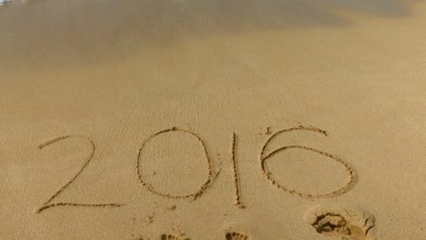 2016 v písku na pláži