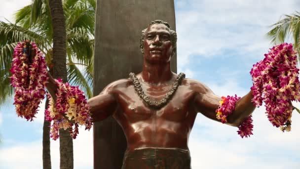 Herceg Kahanamoku szobor, Waikiki Beach, Honolulu, Oahu, Hawaii